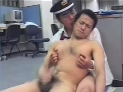 ノンケのリーマンが警備員に犯される