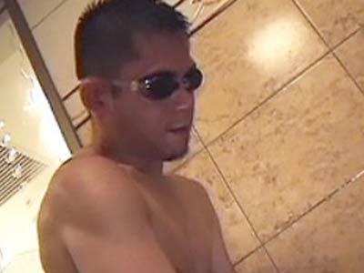 お風呂でセックスする絶倫兄貴